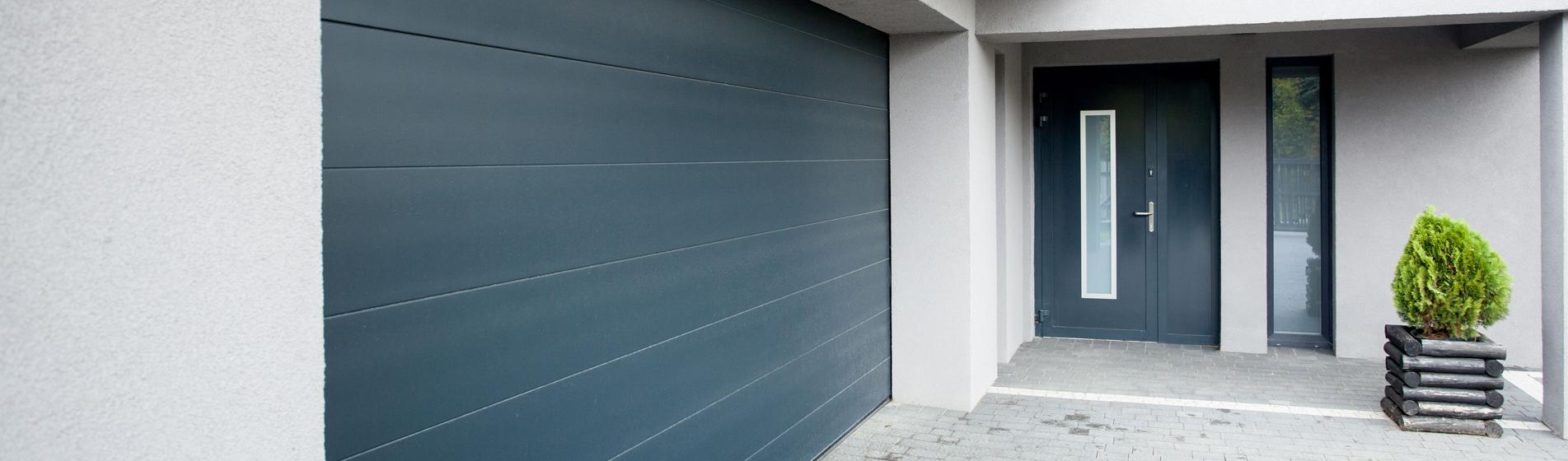 Mod les portes de garage aluminium avec motorisation devis gratuit - Porte garage battant alu ...